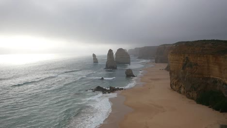 Australia-Great-Ocean-Road-12-Apostles-With-High-Fog
