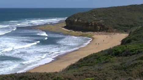 Australia-Great-Ocean-Road-Bells-Beach