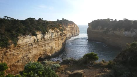 Australia-Great-Ocean-Road-Loch-Ard-Gorge-Spray
