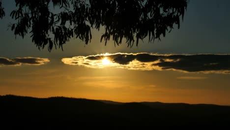 Australia-Mt-Bellevue-Sun-Through-Clouds