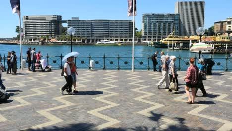 Australia-Sydney-People-Walking-By-Water-On-Broad-Walk