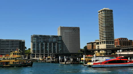 Australia-Sydney-Ferry-Approaches-Circular-Quay