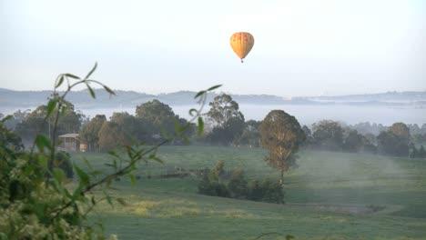 Australia-Yarra-Valley-Balloon-In-Morning