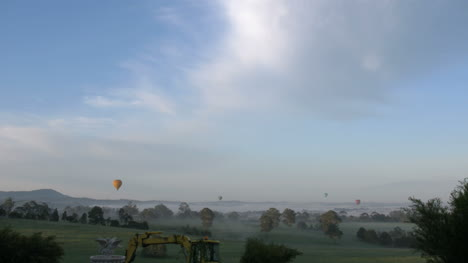 Australia-Yarra-Valley-Four-Early-Morning-Balloons
