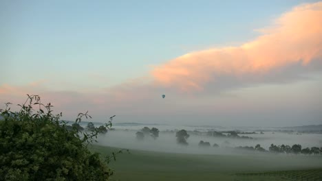 Australia-Yarra-Valley-Sunrise-Balloons-Zoom-Out