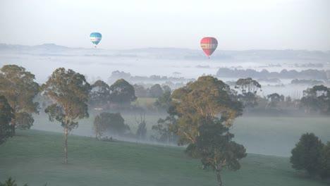 Australia-Valle-De-Yarra-Dos-Globos-Temprano-En-La-Mañana-Australia-Yarra-Valley-Two-Balloons-Early-Morning