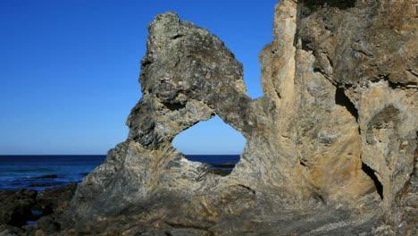 Australia-Remarkable-Australia-Rock-With-Birds