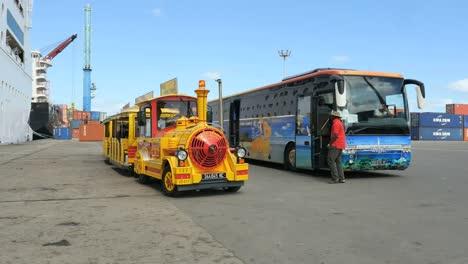 New-Caledonia-Noumea-Tourist-Train-Moves