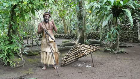 Vanuatu-Man-With-Chicken-Trap