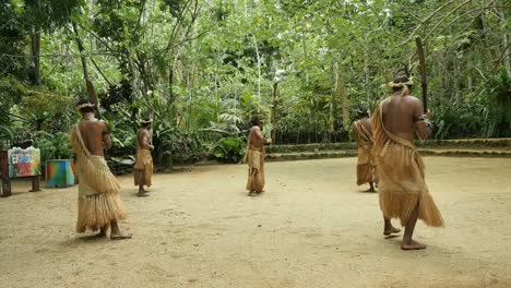 Vanuatu-Men-Performing-Dance-With-Chanting