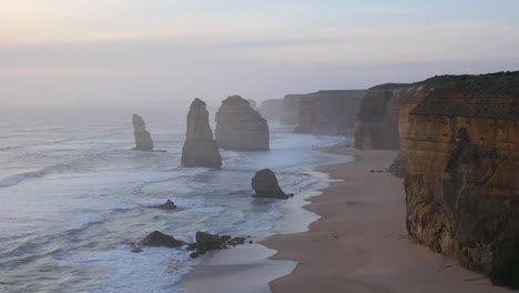 Australia-Great-Ocean-Road-12-Apostles-Late-Afternoon-Pan