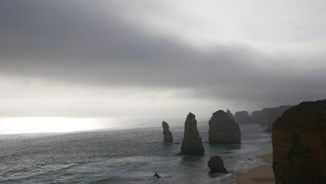 Australia-Great-Ocean-Road-12-Apostles-Weak-Sun-Low-Cloud-Pan
