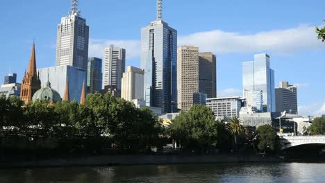 Australia-Melbourne-Yarra-River-And-City-Skyscrapers-Pan
