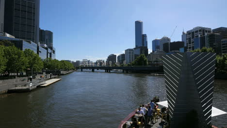 Australia-Melbourne-Yarra-River-Flows-Past-Cafe