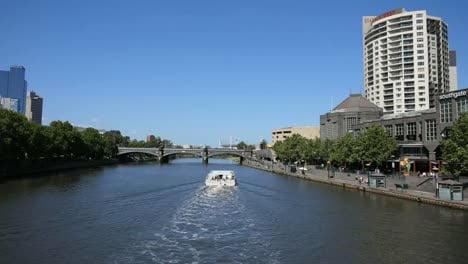 Australia-Melbourne-Excursion-Boat-Moving-Up-Yarra-River