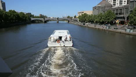 Australia-Melbourne-Excursion-Boat-With-Wake-On-Yarra-River