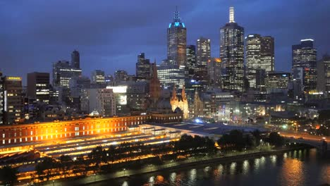 Australia-Melbourne-Skyline-In-Evening
