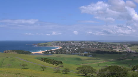 Australia-Crescent-Beach-And-Gerringong-Town-Pan