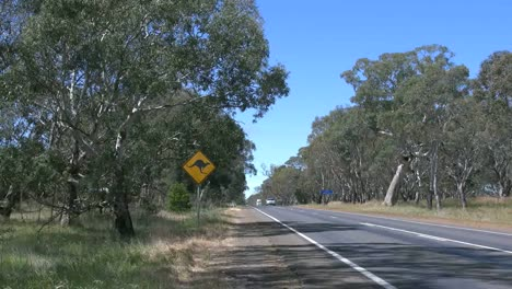 Australia-Road-With-Traffic-And-Kangaroo-Sign