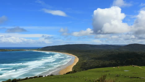 New-Zealand-Catlins-Tautuku-Bay-With-Cloud