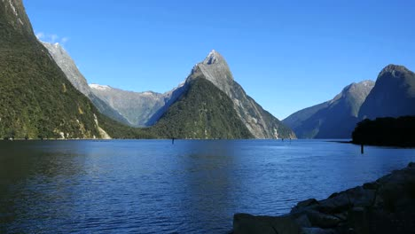 New-Zealand-Milford-Sound-Mitre-Peak-From-Dock