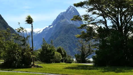 New-Zealand-Milford-Sound-Mitre-Peak-View-From-Park