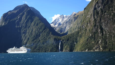 New-Zealand-Milford-Sound-Waterfall-And-Cruise-Ship