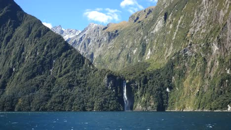 New-Zealand-Milford-Sound-Waterfall-Plunges