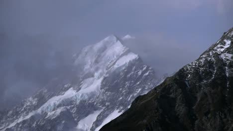 New-Zealand-Mount-Cook-Light-Clouds
