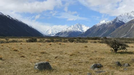 New-Zealand-Mt-Cook-National-Park-Broad-View