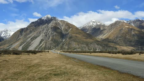 New-Zealand-Mt-Cook-National-Park-Road