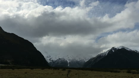 New-Zealand-Mt-Cook-Hidden-By-Cloud