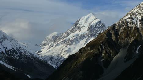 New-Zealand-Mt-Cook-Peak-Rising