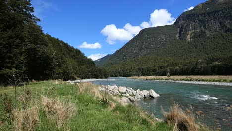 New-Zealand-River-Fiordland-National-Park-River