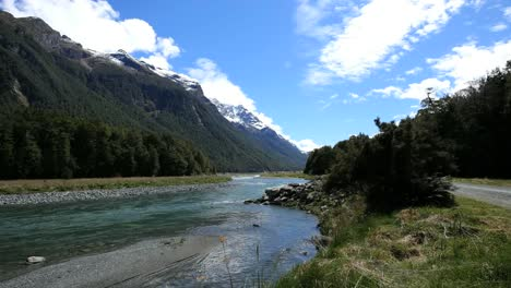 New-Zealand-River-Milford-Sound-Road-Fiordland