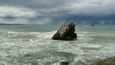New-Zealand-Rock-Rain-And-Waves
