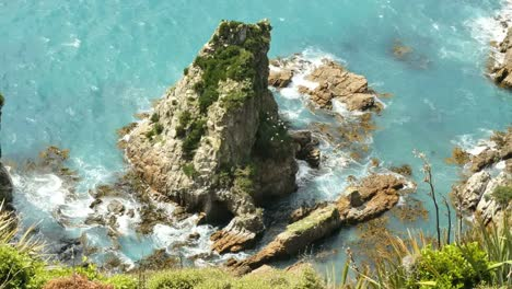 New-Zealand-Looking-Down-At-Rock-And-Birds