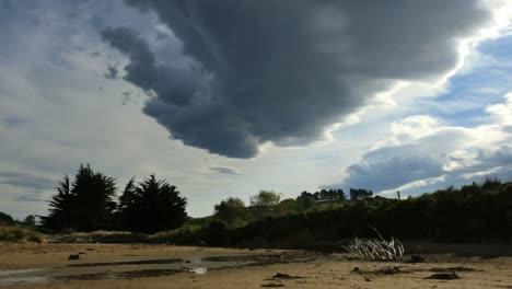 New-Zealand-Mysterious-Cloud-Over-Moeraki-Beach