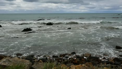 New-Zealand-Waves-On-Rocks-At-Kaka-Point-Mov