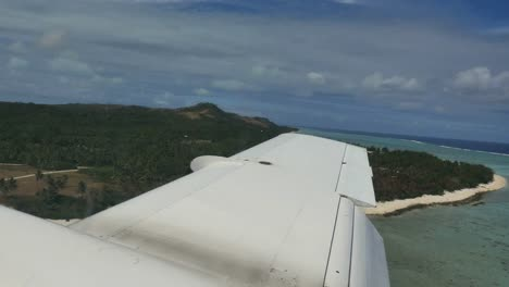 Aitutaki-Approach-With-Plane-Wing