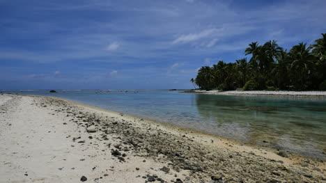 El-Canal-Aitutaki-Se-Encuentra-Con-El-Arrecife