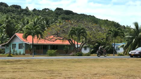 Casa-Aitutaki-Y-Motos