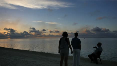 Aitutaki-Sunset-And-People-Watching