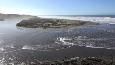California-Salmon-Creek-Dramatic-Tidal-Bore