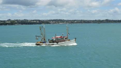 New-Zealand-Auckland-Bay-Fishing-Boat