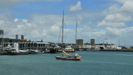 New-Zealand-Auckland-Bay-Sailboat-Sails-Down