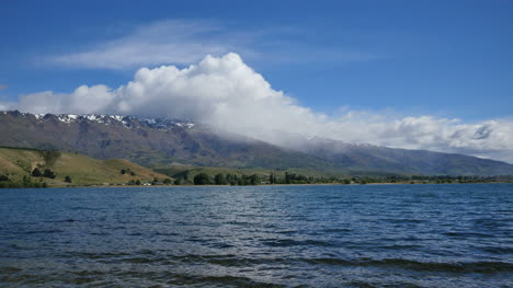 New-Zealand-Lake-Dunstan-With-Cloud-And-Rain