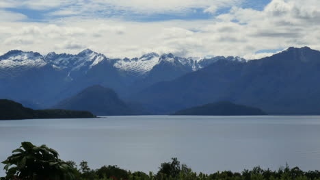 New-Zealand-Lake-Manapouri-In-Afternoon-Zoom