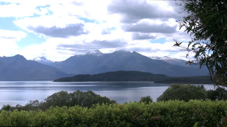 New-Zealand-Lake-Manapouri-Zoom-In