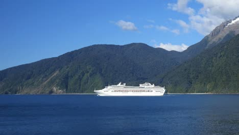 New-Zealand-Milford-Sound-Cruise-Ship-In-Tasman-Sea
